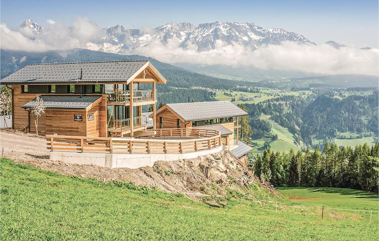 Holiday cottage with 4 bedrooms on 120m² in Pichl/Schladming