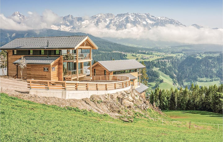 Beautiful home in Pichl/Schladming with Sauna, WiFi and 4 Bedrooms