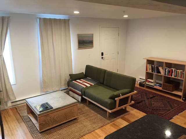 Cozy space in Sturbridge right on Main Street