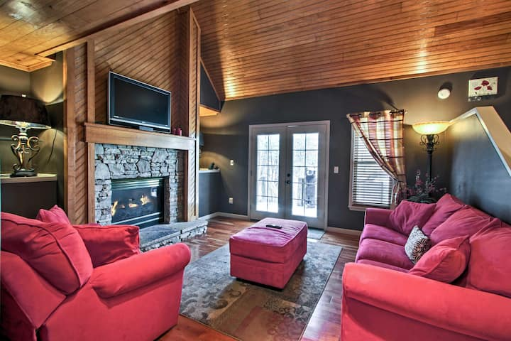 Pigeon Forge Home Base w/Grill, Deck + Hot Tub!