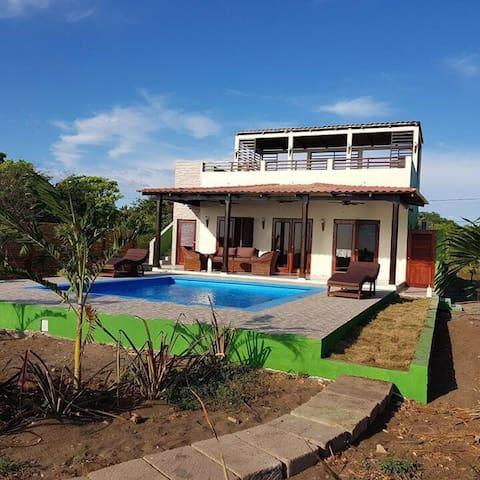 Casa Verde & Pool at Playa Tesoro