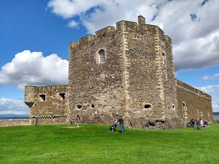 Blackness Castle ( Fort William )