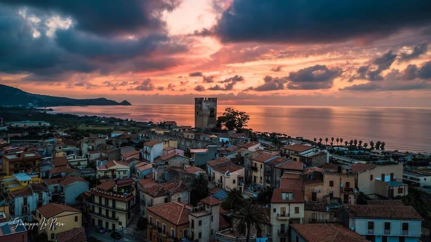Casa tranquilla e luminosa con terrazzo sul mare