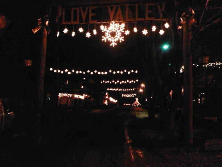 Love Valley is a westrn town located in NC