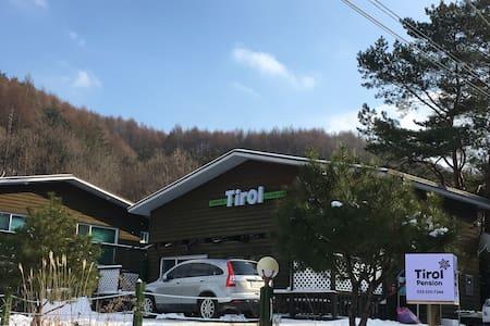 Tirol Pension - Bongpyeong-myeon, Pyeongchang-gun - 韩国膳宿公寓