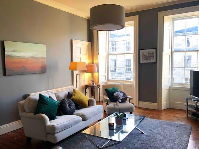 Prime Location Spacious 2 Bed Georgian Apartment