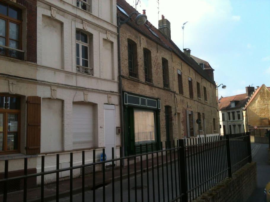 Chambre dans les combles saint omer townhouses in - Chambre de commerce saint omer ...