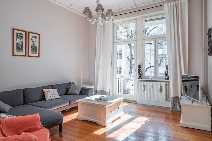 Altbau Belle Etage - Wiesbaden - Apartment