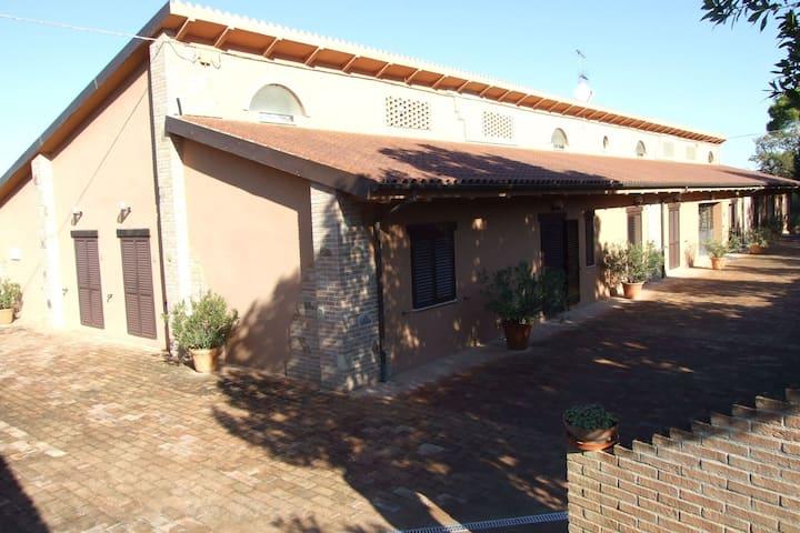 Heritage Apartment in Treia with Garden