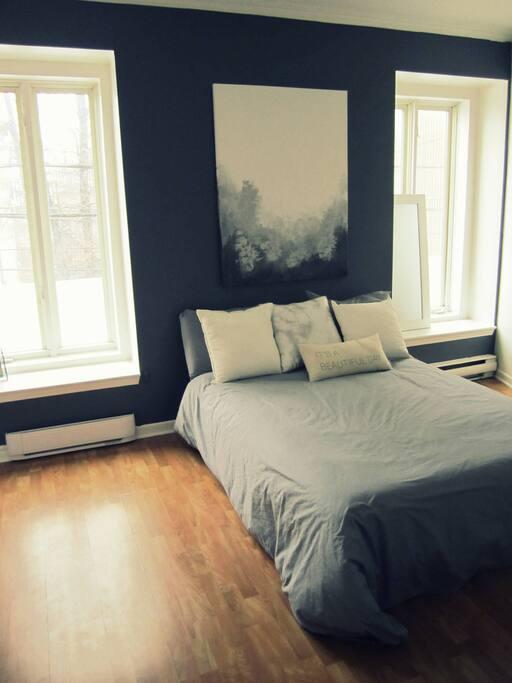 Chambre-Bedroom-QUEEN BED