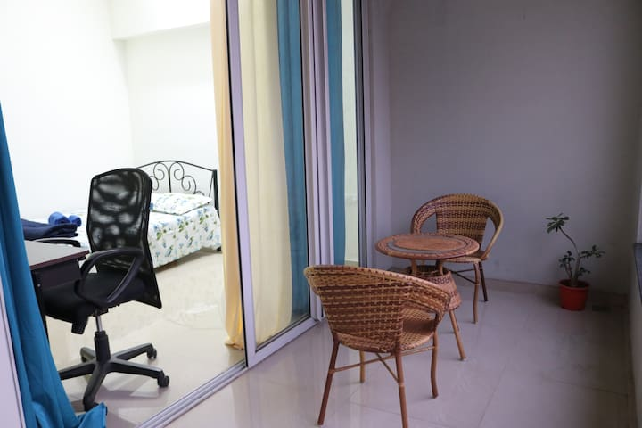 Cosy private room with attached washroom & balcony