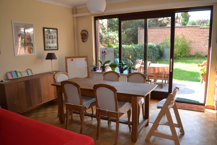 Beautiful 3 bedrooms house - Watermael-Boitsfort - Bed & Breakfast