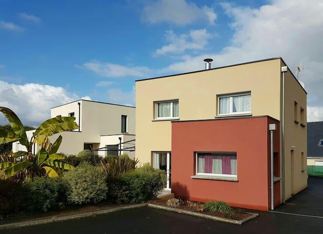 Maison récente réservée auxfamilles - Trégueux - Dům