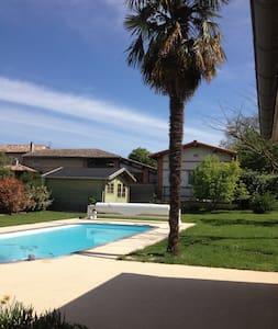 Maison moderne+piscine 20' Toulouse - Bruguières - Ház