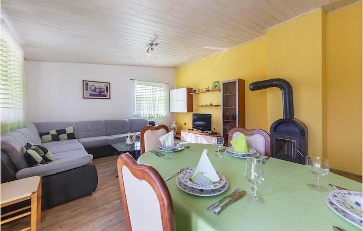Stunning home in Marcana with WiFi and 3 Bedrooms