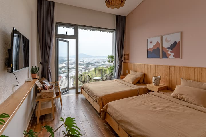 View Home - Twin room- Mountain view