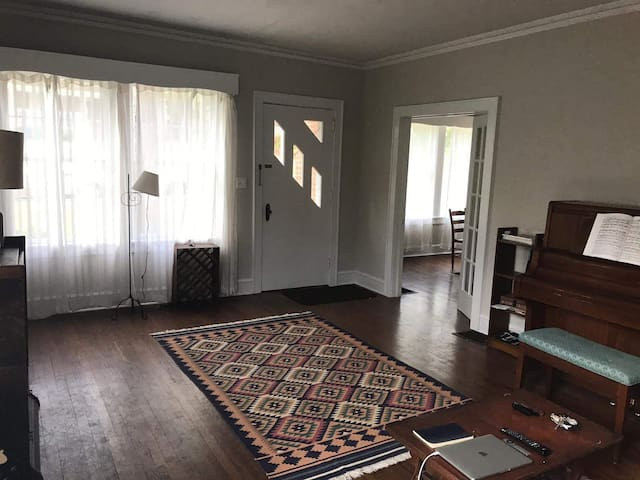 3 Bedroom House in Five Points