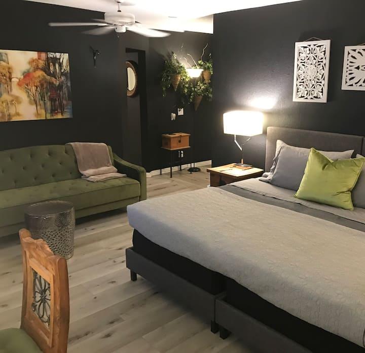 The Escondido, a Bed & Bay Inn (31 night min)