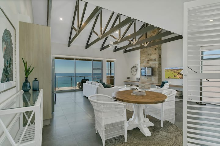 The Jetty • Blanche Suite-Beachfront escape for 2