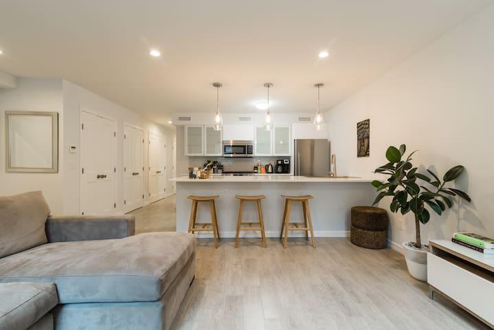 New 2 Bedroom Apartment in Paulus Hook!