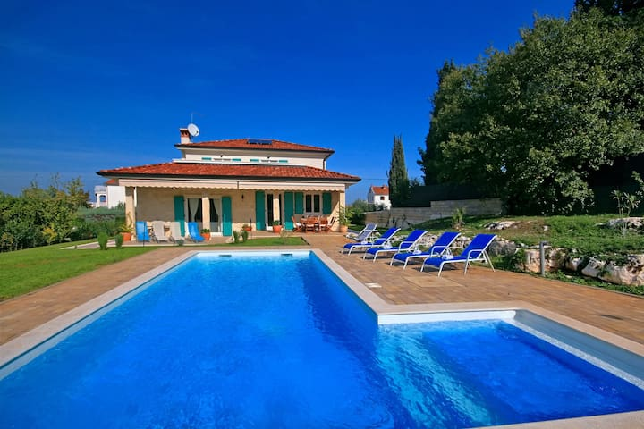 Villa Lara Rovinj with heated pool - Rovinjsko Selo - Villa