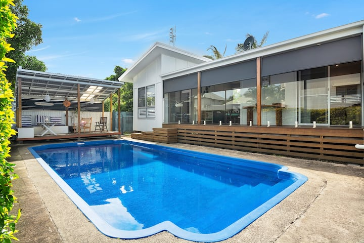 Beach Parade Bungalow -Hidden oasis in Cotton Tree