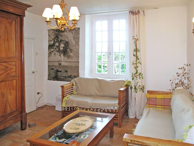 Holiday home in St. Sulpice-les-Feuilles - St. Sulpice-les-Feuilles - Haus