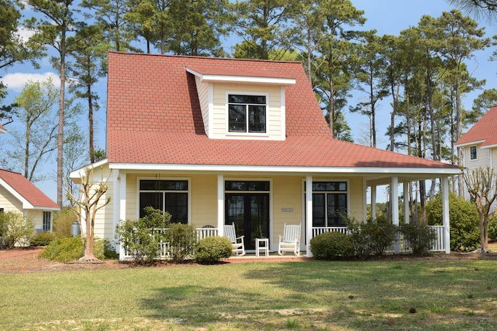 The Cala Lily: Luxury Waterfront on the Neuse
