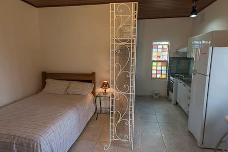 Flat em Residência, Entrada Independente. - Alto Paraíso de Goiás - Apartment-Hotel