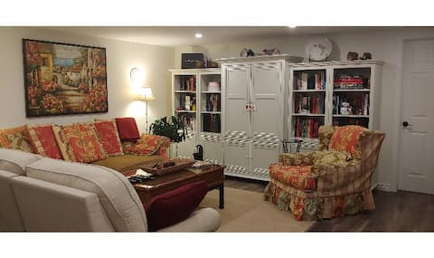 Studio in the Heart of Port Carling