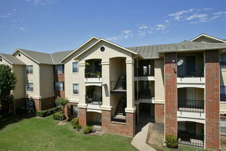 Gated Luxury Apartment with great veiw - Lawrenceville