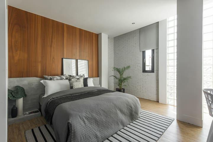 H.suite