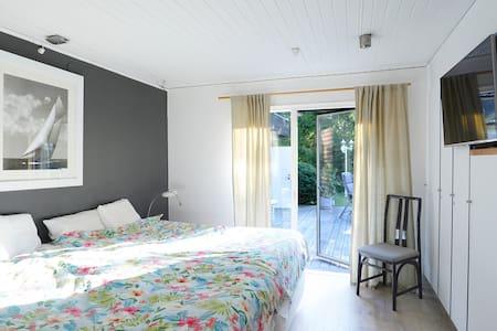 Summer villa, close to beach! - Höllviken - Casa