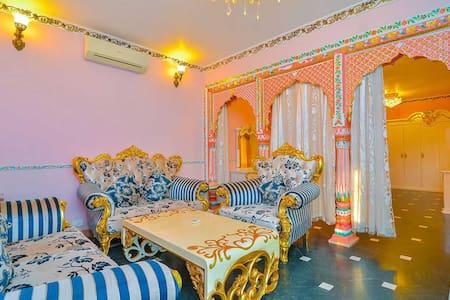 River facing Super-luxury Maharaja suite @ Siolim - Siolim - Bed & Breakfast