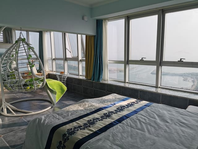 【450米内】万平口、灯塔、海龙湾沙滩浴场、帆船游艇码头,一切畅收眼前…《臻享海景吧~地中海_邮轮》