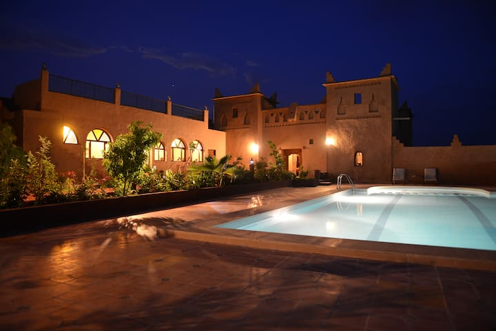 Nice Rooms in a Small Kasbah with Pool in Skoura