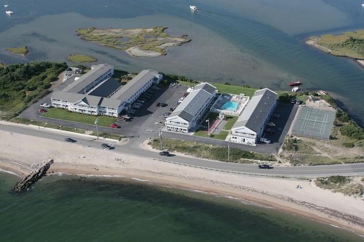 25% off Ocean/Beach Front Resort Studio  7/3-7/10
