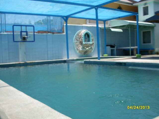 JC Manzano Private Hot Springs Resort: Resthouse