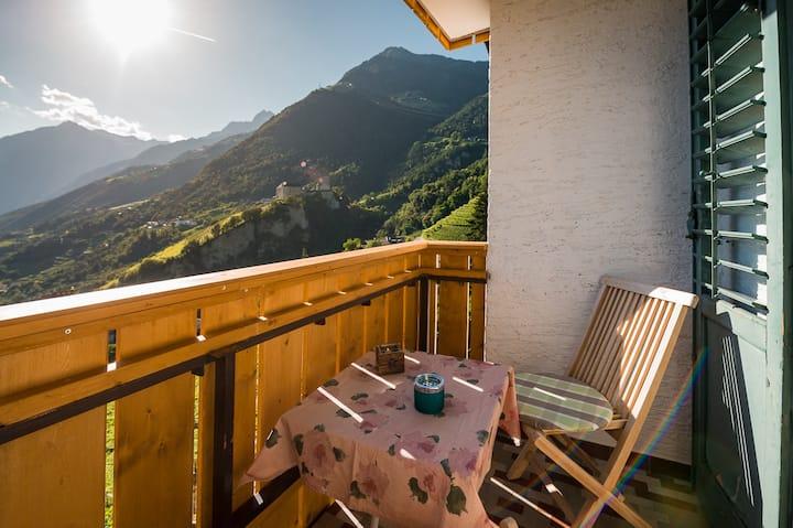Privatzimmer mit grandioser Aussicht über Meran