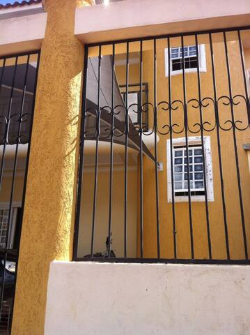 Quarto em casa confortável e bem localizada - Cuiabá - Rumah