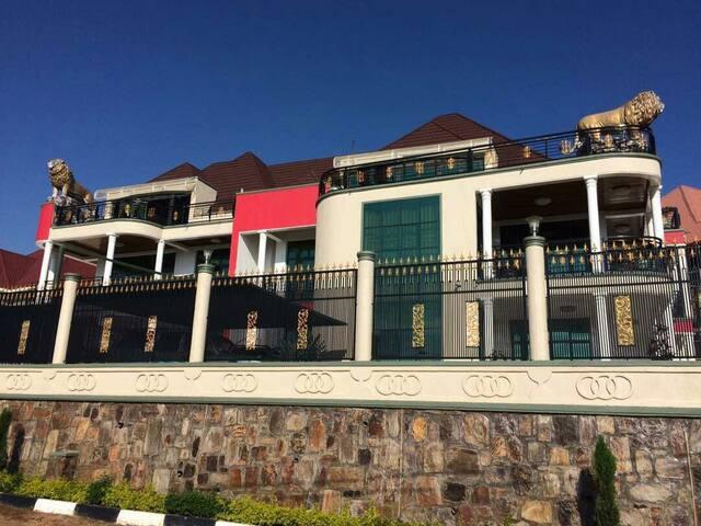 BEST AFFORDABLE 6 ROOMS IN LION HOUSE/KIBAGABAGA