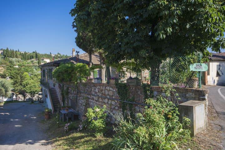 Pretty apartment in the village of Impruneta
