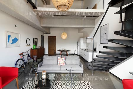 Comfy designer's loft in the heart of Zone 4 - Guatemala