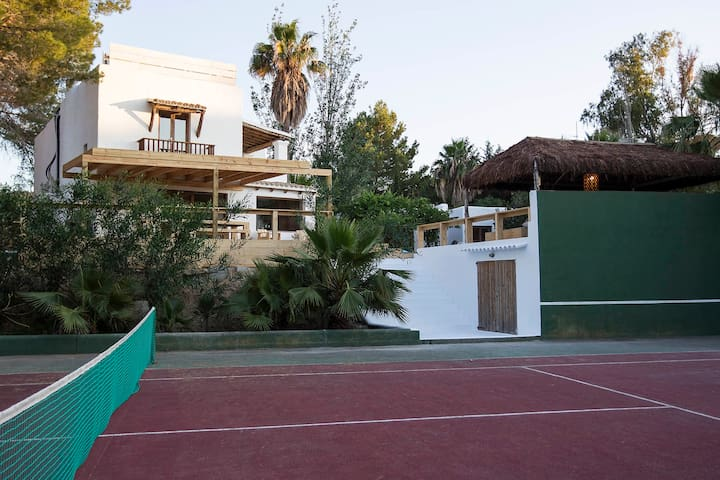Villa Ibiza San Josep with private Tennis.