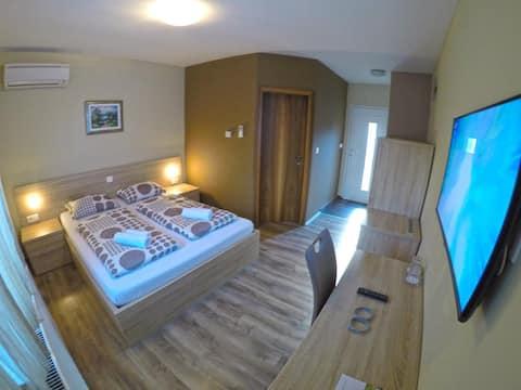 Dvokrevetna soba 1 s kupanjem u Termama