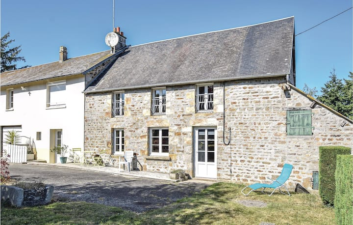 Amazing home in Lonlay l'Abbaye with 3 Bedrooms