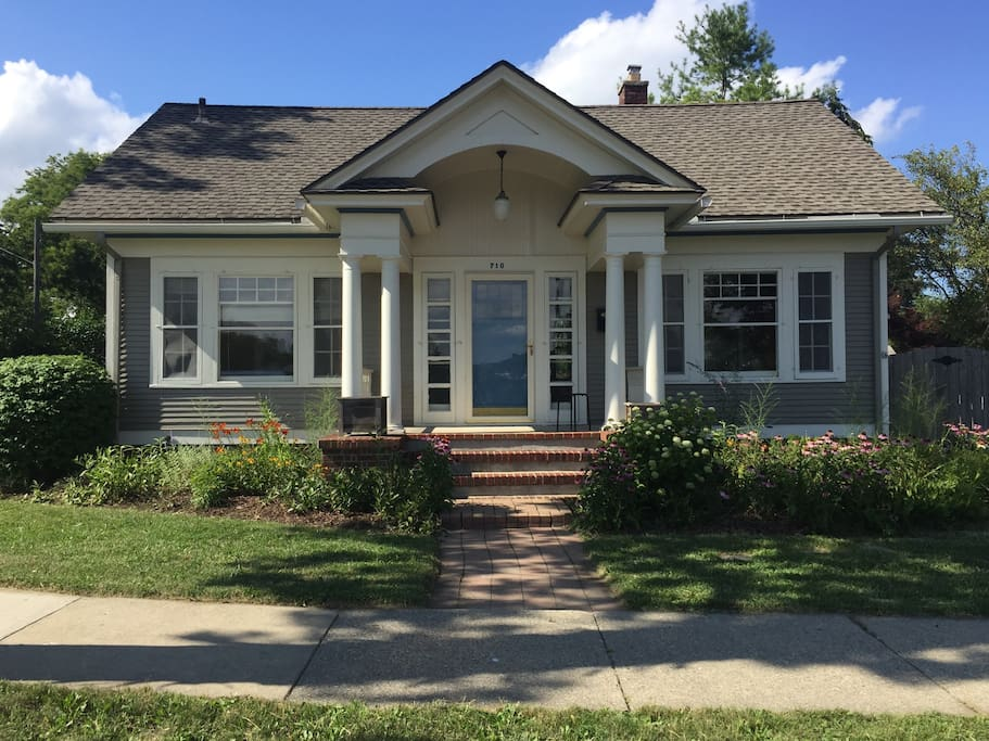Big house bungalow houses for rent in ann arbour for 3 4 houses in michigan