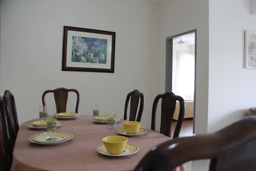 Ruang Makan / Dining Area