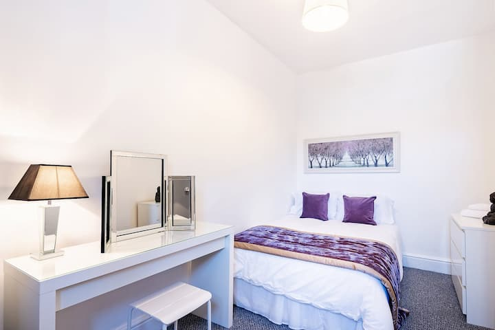 One spacious double bedroom apartment - the Urban
