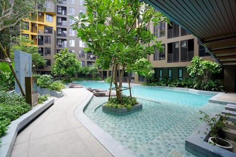 La base Central phuket 8